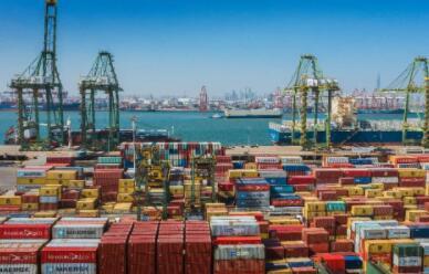 2021年前四月我国进出口总值同比增长28.5%